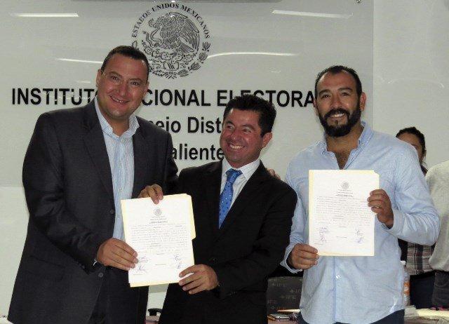Jorge López recibió su constancia de mayoría que lo acredita como diputado federal electo