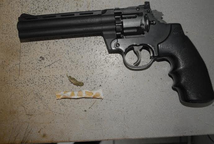 ¡Policías estatales capturaron a 3 guardias de seguridad privada que cometían asaltos en Aguascalientes!