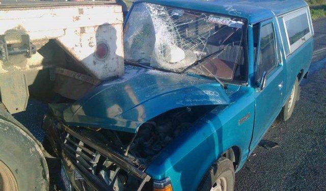 ¡Camioneta chocó contra un tráiler en Juan Aldama: 1 muerta y 1 lesionado el saldo!