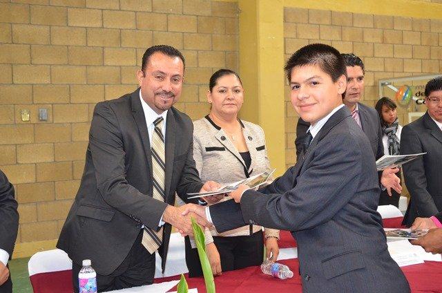 ¡Clausuran instituciones educativas ciclo escolar 2014-2015 en Calera!