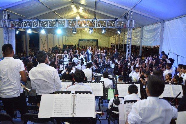 ¡Un éxito la presentación de la Orquesta Sinfónica y el Coro Estudiantil de Jesús María en la Feria de los Chicahuales!