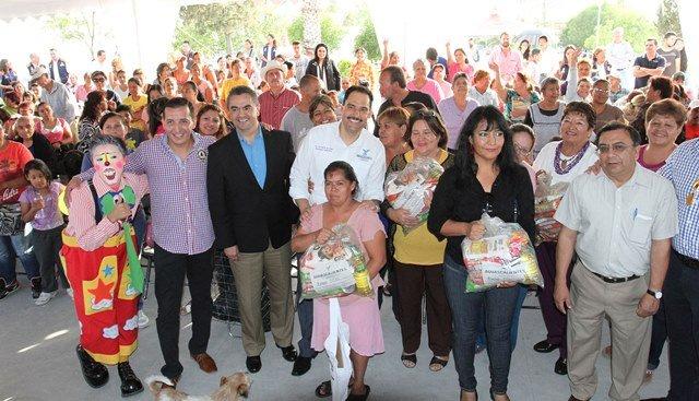 ¡Emprende Gobierno Municipal entrega de apoyo alimenticio y de dignificación del hogar en sectores vulnerables!
