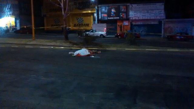 ¡Veloz automovilista arrolló y mató a un peatón en Aguascalientes!