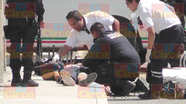 ¡FOTOGALERIA/ Sicarios ejecutaron a un narcomenudista y dejaron heridos a 2 hombres y un menor de edad en Fresnillo!