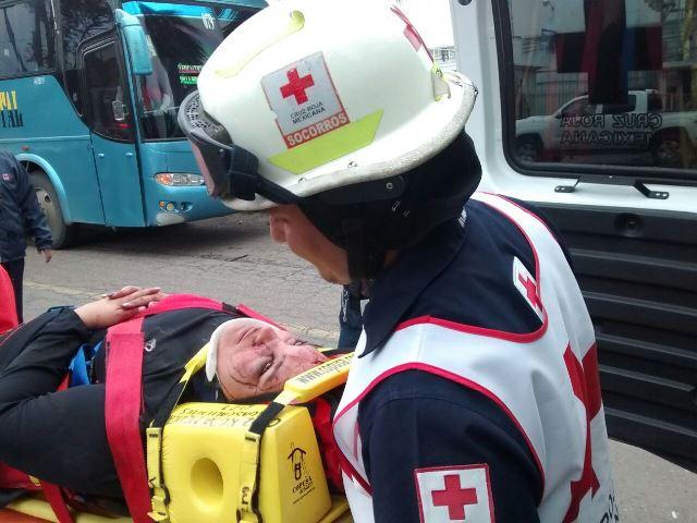 ¡Mujer resulta lesionada tras un fuerte choque por alcance en Aguascalientes!