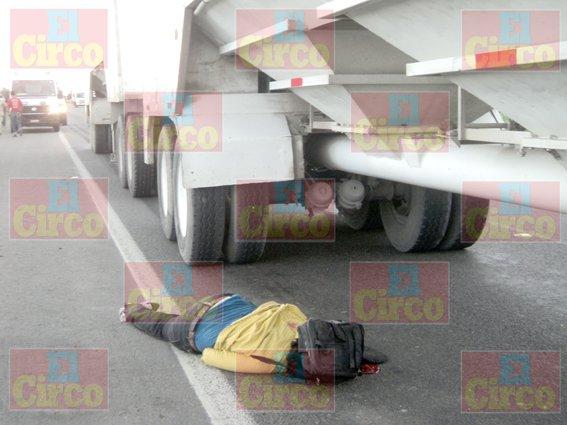 ¡Desconocido murió atropellado por un tráiler en Lagos de Moreno!