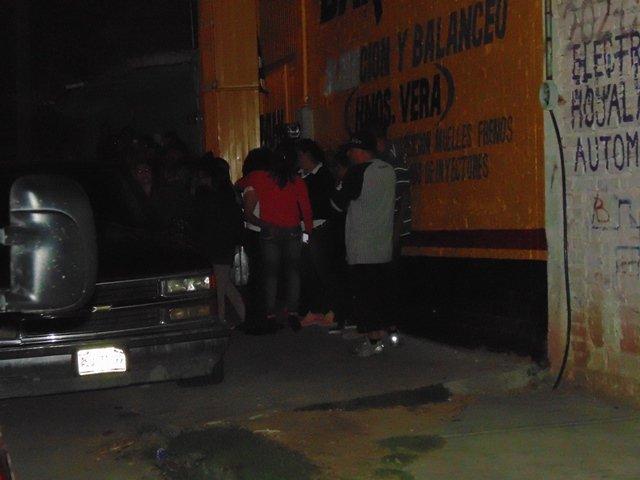 ¡FOTOGALERIA/ Mecánico murió aplastado por una camioneta en un taller en Aguascalientes!