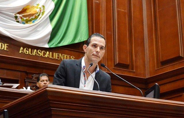 ¡Presentó Oswaldo Rodríguez iniciativa de reforma al artículo 153 del Código Penal del Estado de Aguascalientes!