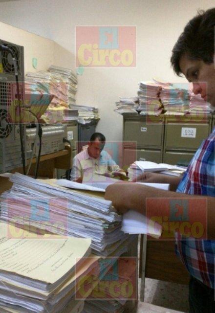 ¡Detuvieron a 3 funcionarios municipales de Encarnación de Díaz por despojo y abuso de autoridad!
