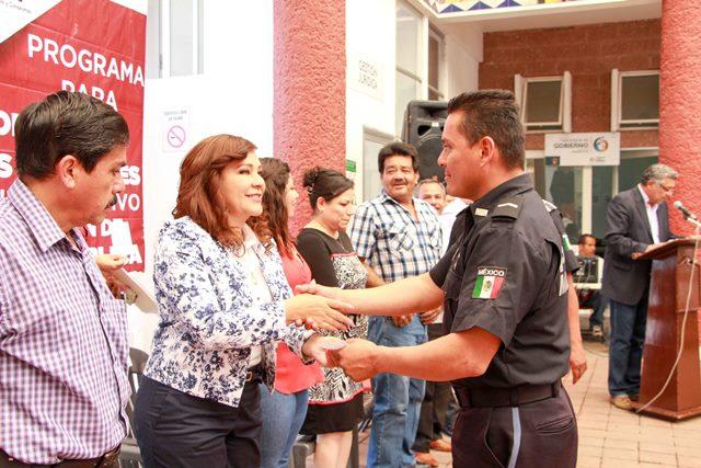 ¡Entregó Margarita Gallegos apoyos de SUBSEMUN a elementos de Seguridad Pública de San Francisco de los Romo!
