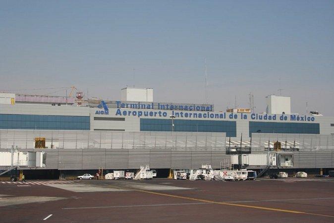 ¡Asegura la Policía Federal una maleta con armas de fuego en el Aeropuerto del DF!