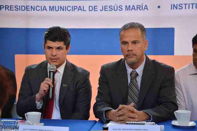 ¡Convenio entre Municipio de Jesús María y Tecnológico de Pabellón acerca educación superior a jóvenes!