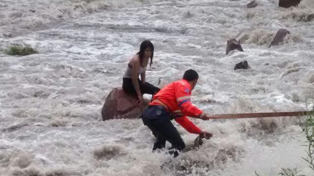 ¡FOTOGALERIA/ Heroico rescate evita que joven muriera ahogada en el Río San Pedro en Aguascalientes !