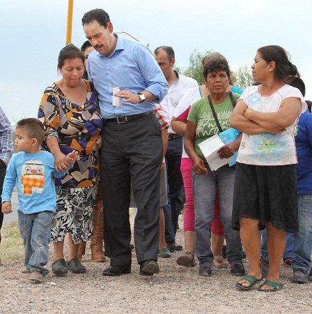 ¡Entregó el MunicipioAgs obras de readecuación del colector sanitario en Vistas de Oriente!