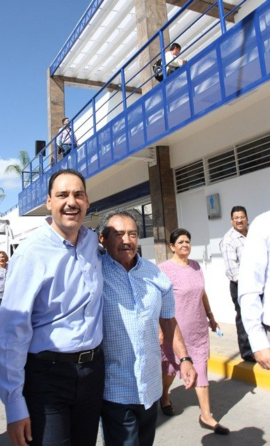 ¡Alcalde de Aguascalientes entrega modernas instalaciones del Mercado Primero de Mayo!