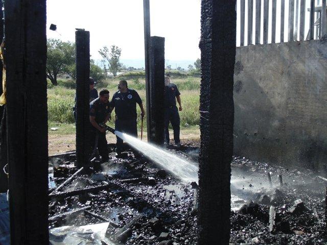 ¡FOTOGALERÍA/ Se incendió una repetidora de FERROMEX en Aguascalientes!