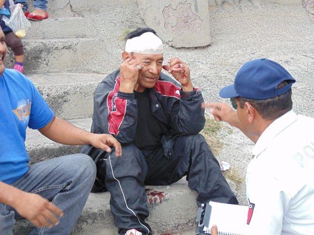 ¡Ex comandante de la desaparecida PJ de Aguascalientes casi se mata tras una volcadura!