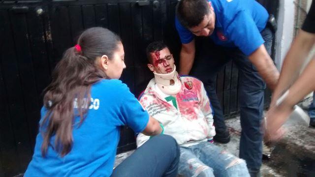 ¡Grave motociclista embestido por un adolescente en Aguascalientes!