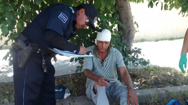 ¡Aparatosa volcadura de un tráiler dejó saldo de un lesionado en Aguascalientes!