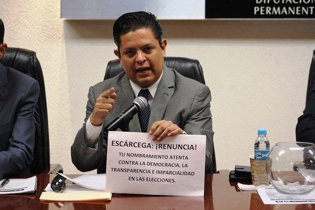 ¡Escárcega debe renunciar a la Fiscalía Electoral: Mario Michaus!