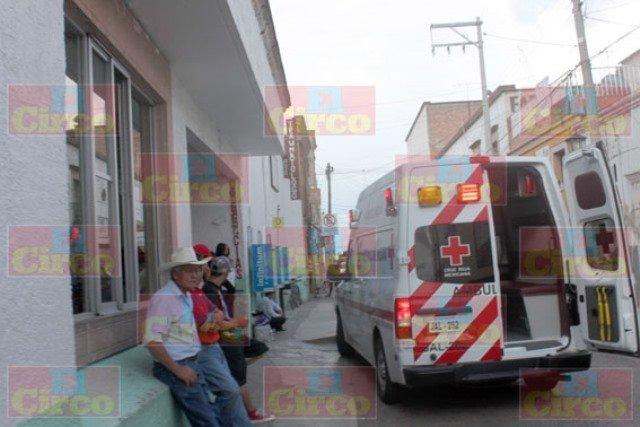 ¡Niña cayó de un metro de altura y se golpeó en la cabeza en Lagos de Moreno!
