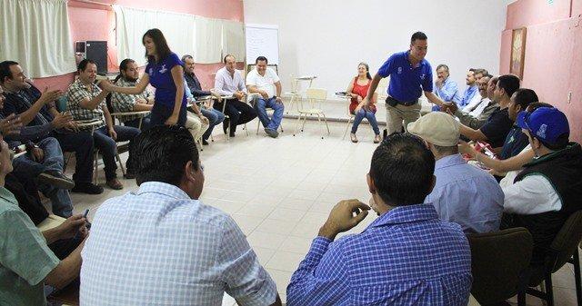 ¡Reciben funcionarios de la Secretaría de Servicios Públicos taller sobre solución de conflictos sin violencia!