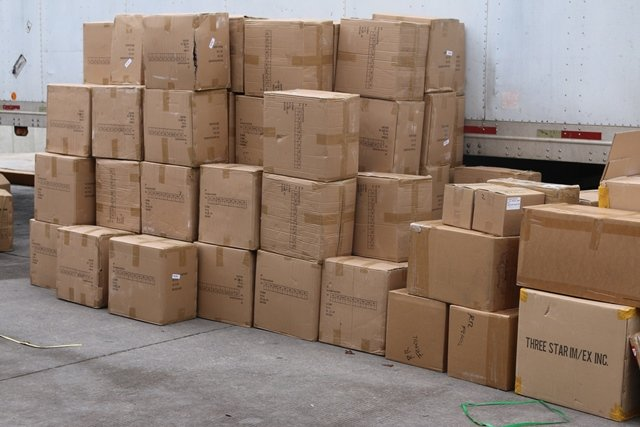 ¡Atraparon a 2 sujetos con mercancía de contrabando en Aguascalientes!