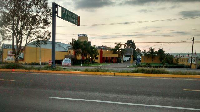 ¡2 pistoleros consumaron violento asalto en un hotel en Aguascalientes!