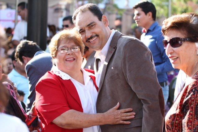 ¡Organizó el MunicipioAgs noche mexicana para adultos mayores!