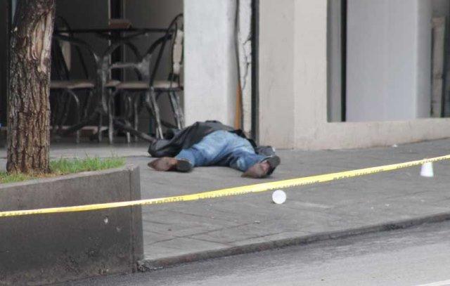 ¡Ejecutaron a un hombre de 5 balazos en plena Zona Centro de Zacatecas!
