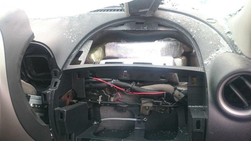 ¡Aseguran 25 kg. de cocaína que era transportada en la bolsa de aire de un auto en Tamaulipas!