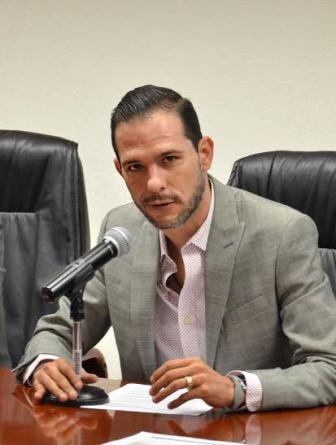 ¡Felicita Oswaldo Rodríguez a egresadas y alumnas de la Escuela Normal de Aguascalientes!