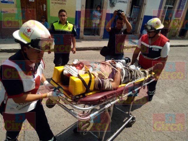 ¡Grave ciclista embestido por un automovilista en Lagos de Moreno!