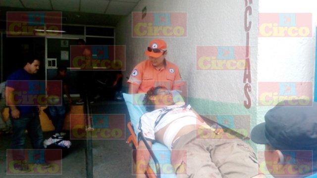 ¡Grave lavacoches herido con un desarmador en Lagos de Moreno!