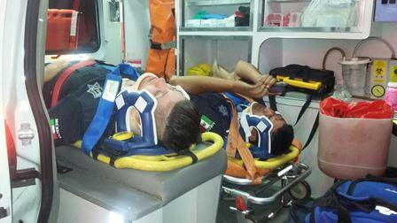 ¡3 policías municipales se salvaron de morir tras volcar su patrulla en Aguascalientes!