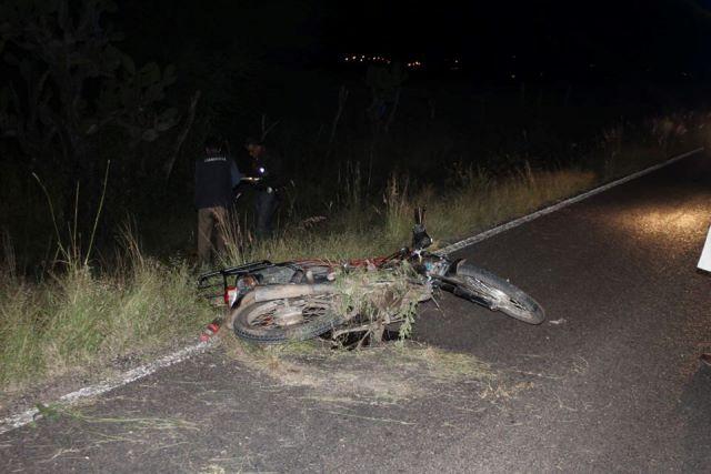 ¡Joven murió y adolescente resultó lesionado tras caer de una motocicleta en Aguascalientes!
