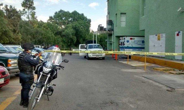 ¡En el estacionamiento de un hospital murió un hombre baleado en Zacatecas!
