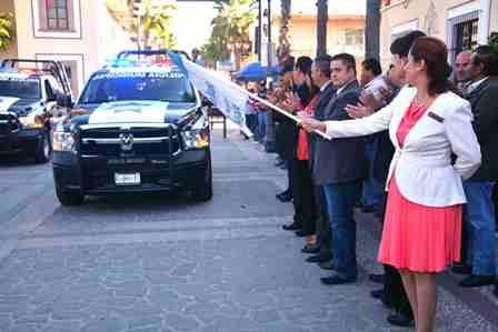 ¡Entregó Antonio Arámbula más patrullas para la policía de Jesús María!