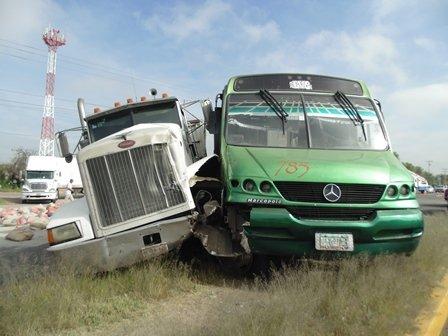 ¡Madre e hija vecinas de Zacatecas resultaron lesionadas tras un accidente en Aguascalientes!