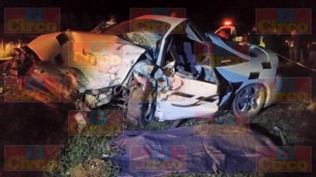¡1 muerto y 2 lesionados dejó choque frontal entre 2 vehículos en Sombrerete!