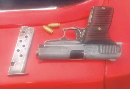 ¡Capturaron  a 2 sujetos con un arma de fuego en Aguascalientes!