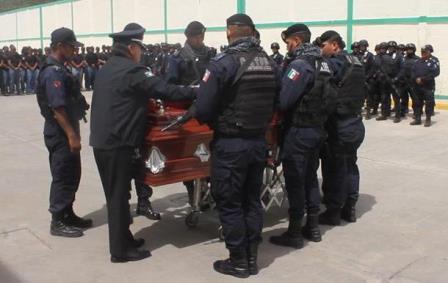 ¡Con emotivo homenaje dieron el último adiós al policía estatal asesinado en Zacatecas!