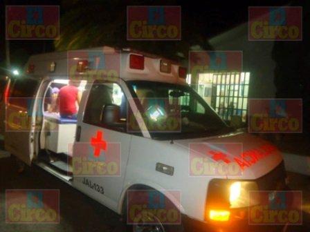 ¡1 muerto y 1 lesionado tras la volcadura de una camioneta en Encarnación de Díaz!