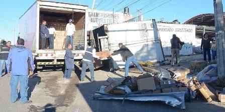 ¡Murió chofer que volcó camión con pantallas de plasma de SEDESOL en Zacatecas!