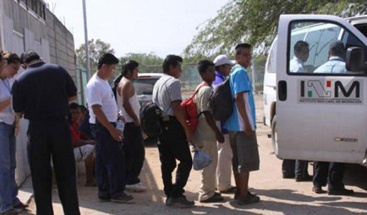 """¡Rescata el INM a 113 migrantes cuando eran transportados por un """"pollero"""" en Nuevo León!"""