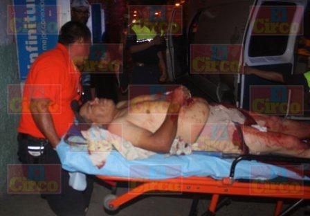 ¡De 11 puñaladas hirieron gravemente al velador de un yonke en Lagos de Moreno!