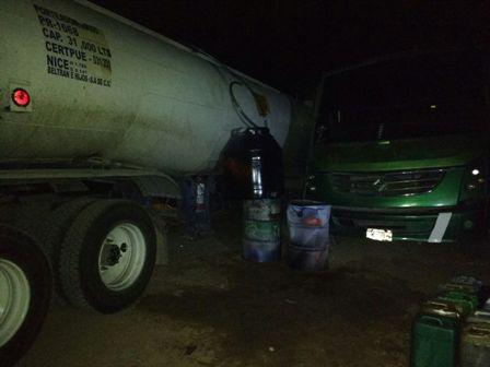 ¡Detienen a peligroso ladrón con tráiler cargado de Diesel en Aguascalientes!