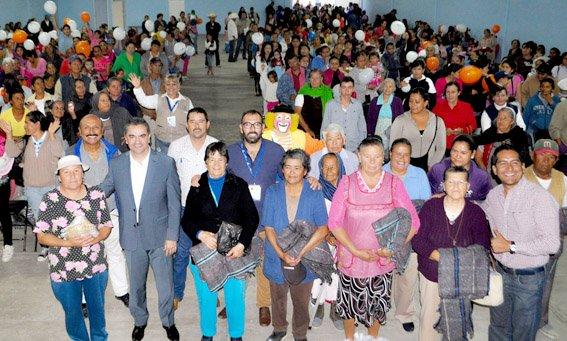 ¡Dota municipio de Aguascalientes de apoyos para temporada invernal a familias de escasos recursos!