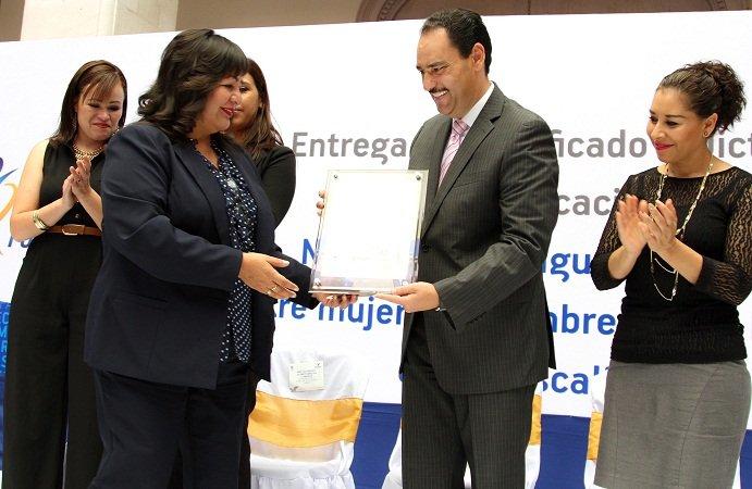¡Recibe el MunicipioAgs certificado por la igualdad laboral de género en dependencias!