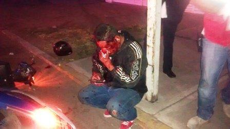 ¡Grave peatón que fue arrollado por un motociclista en Aguascalientes!